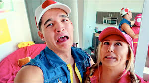 matching halloween costumes for best friends matching couples halloween costume youtube