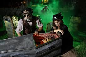 halloween fanatics gear up for big night the san diego union tribune