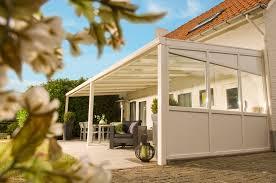 auvent en bois pour terrasse auvents couvertures de terrasse et carports aluminium et