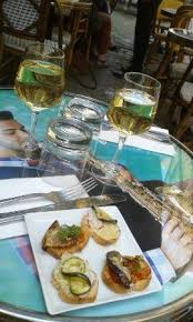 cuisine au vin blanc apéritif au vin blanc grillo de sicile picture of tavola calda
