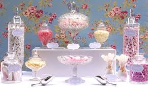 customer feature candy buffet table
