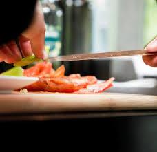 cour de cuisine a domicile cours de cuisine à domicile à lyon ideecadeau fr