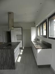 cuisine moderne blanc laqué cuisine moderne laquée blanc brillant gilles martel