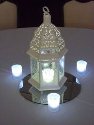 Lanterns For Wedding Centerpieces by 26 Best Lantern Centerpieces Images On Pinterest Lantern