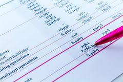 bureau des statistiques homme d affaires financier workspace de bureau de statistiques de