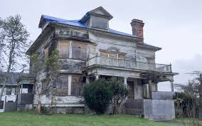 this abandoned house on the oregon coast has a haunting history