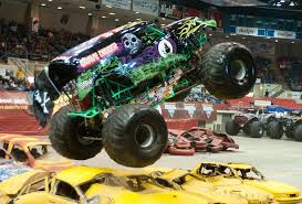 grave digger legend monster truck check out legendary monster truck grave digger today at bay city
