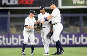 What S Next For Aaron Hicks As Aaron - will brett gardner end the 2017 season on the new york yankees