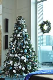 Christmas Decorations Blue Room by