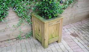 patio planter how to build a patio planter today s homeowner