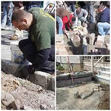 How To Build A Stone Patio by Concrete Pavers Tips U0026 Shortcuts For Paver Patio Installation