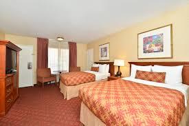 Hotel Beds Suite 3 Double Beds Best Western Plus Anaheim Inn