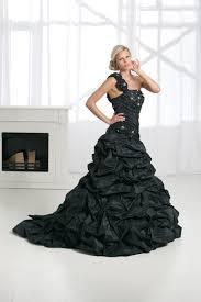 brautkleid in schwarz im trend brautkleider in schwarz und weiß foreverly magazin