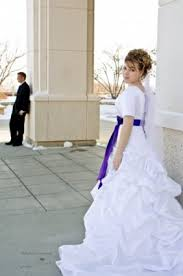 Modest Wedding Dress How To Choose An Lds Wedding Dress Lds Wedding Planner