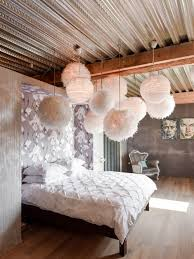 decoration chambre romantique chambre romantique avec un mur gris photos et idées déco de chambres