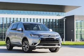 2017 white mitsubishi outlander review 2017 mitsubishi outlander gt affordable suv for seven