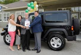 jeep canada 2017 claude dery of fredericton wins 2017 jeep wrangler sport s in select