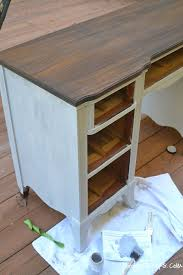 Build Simple Wood Desk by Best 25 Refinished Desk Ideas On Pinterest Desk Redo