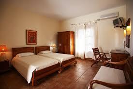 chambre style ethnique pension sun sur l île de skopelos en grèce chambres ethniques