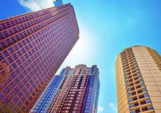 imagenes de bottom up opinión de bottom up sobre los rascacielos duplicados en vidrio en