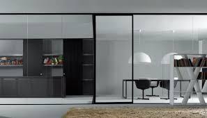 separation en verre cuisine salon design interieur grande cloison coulissante verre transparent salon