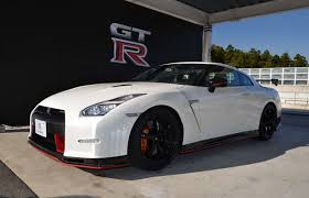 Nissan Gtr Nismo - 2015 nissan gt r gt r nismo review specs 0 60