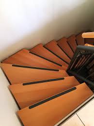 treppen rutschschutz karagrip pro schwarze antirutschstreifen treppe fliesen