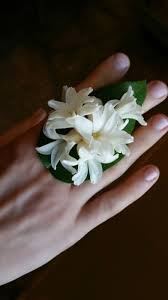 White Corsages For Prom The Ring Corsage How Cute Is This