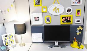 office desk decoration ideas ideas to decorate your office desk pertaining decor decorations 2