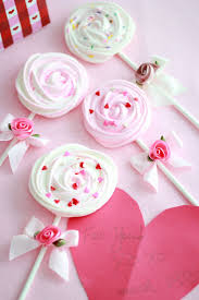 beautiful valentines meringue pops by make fabulous cakes
