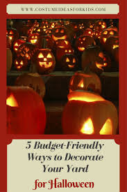 5 budget friendly ways to decorate your lawn for halloween