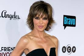 lisa rinna defends her dated hairstyle the daily dish