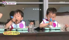 Kids Eating Table Superman Returns
