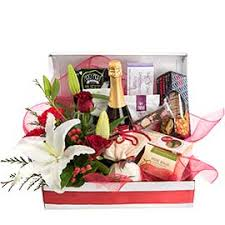 buy 2017 christmas hampers u0026 gift baskets interflora