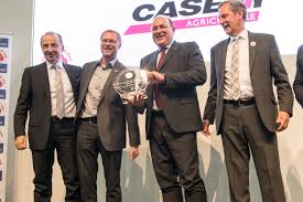 case ih takes u0027tractor of the year u0027 title for 2017 with optum 300