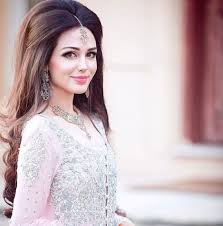 hairstyles for broad forehead bridal hairstyles for big foreheads intended for your hair for who