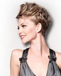 25 easy short hairstyles for older women messy short hairstyles