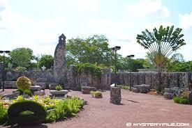 ed leedskalnin u0027s coral castle rock garden