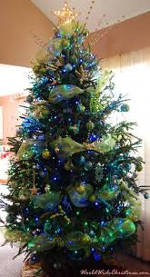 cool blue and gold christmas tree 33 with additional simple design