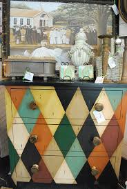 Chalk Paint Colors For Furniture by Best 25 Harlequin Pattern Ideas On Pinterest The Harlequin