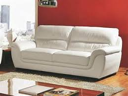 laver canapé cuir nettoyer canapé cuir blanc comment nettoyer un canape en cuir
