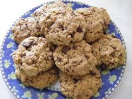 cuisiner flocon d avoine cookies aux flocons d avoine chocolat et noix recette ptitchef