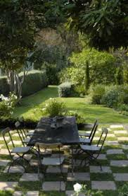 tips for patio designs on a budget ceardoinphoto