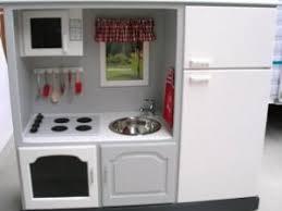 cuisine enfant cuisine pour enfant dans un meuble tv tuto gratuit diy par le