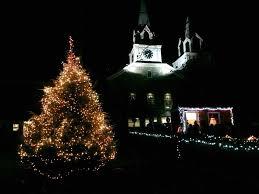 santa to light springfield s town tree