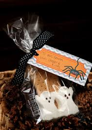 Cheap Halloween Appetizers by 100 Gift Halloween It U0027s A Cinch Gift Bags Volume 1
