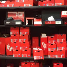 nike factory store black friday nike factory store 86 photos u0026 77 reviews sports wear 990