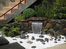 pierre pour jardin zen petit jardin paysager cheap comment optimiser luespace pour crer