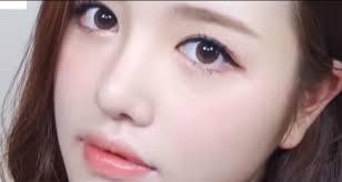 tutorial make up mata sipit ala korea tutorial cara make up natural ala artis korea untuk yang berwajah