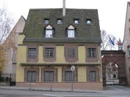 file house with trompe l u0027oeil strasbourg jpg wikimedia commons